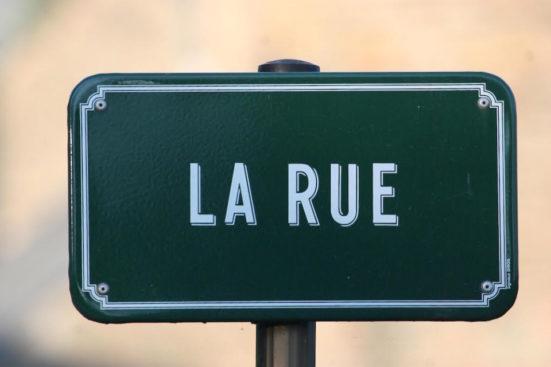 La Rue sign